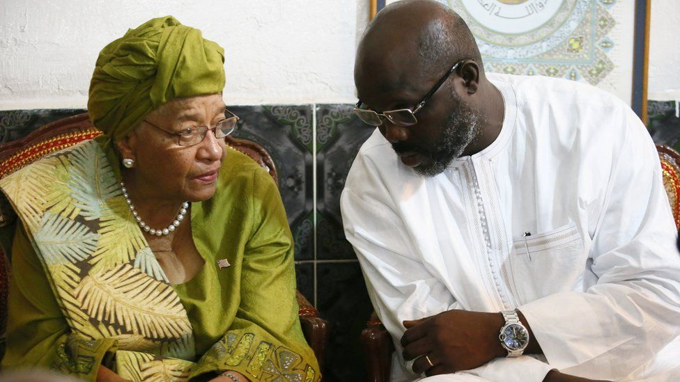 Ms Sirleaf (L) and Mr Weah (R)