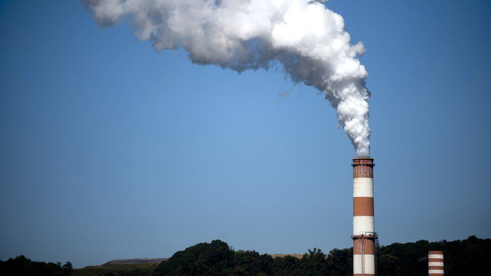 A plume of exhaust extends from the Mitchell Power Station, a coal-fired power plant 20 miles southwest of Pittsburgh, on 24 September 2013 in New Eagle, Pennsylvania, US