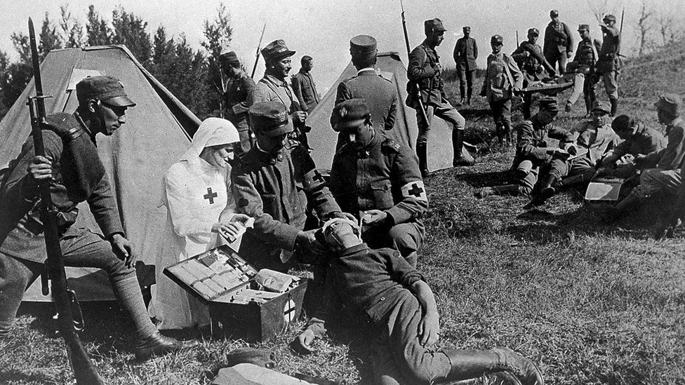 """Qué era la píldora número 9, la pastilla """"curalotodo"""" que recibían los soldados aliados durante la I Guerra Mundial"""