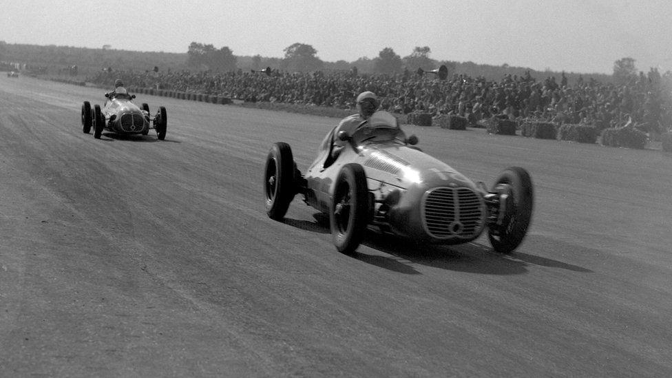 Eventual winner Luigi Villoresi leads Scuderia Ambrosiana team-mate Alberto Ascari in the 1948 British Grand Prix