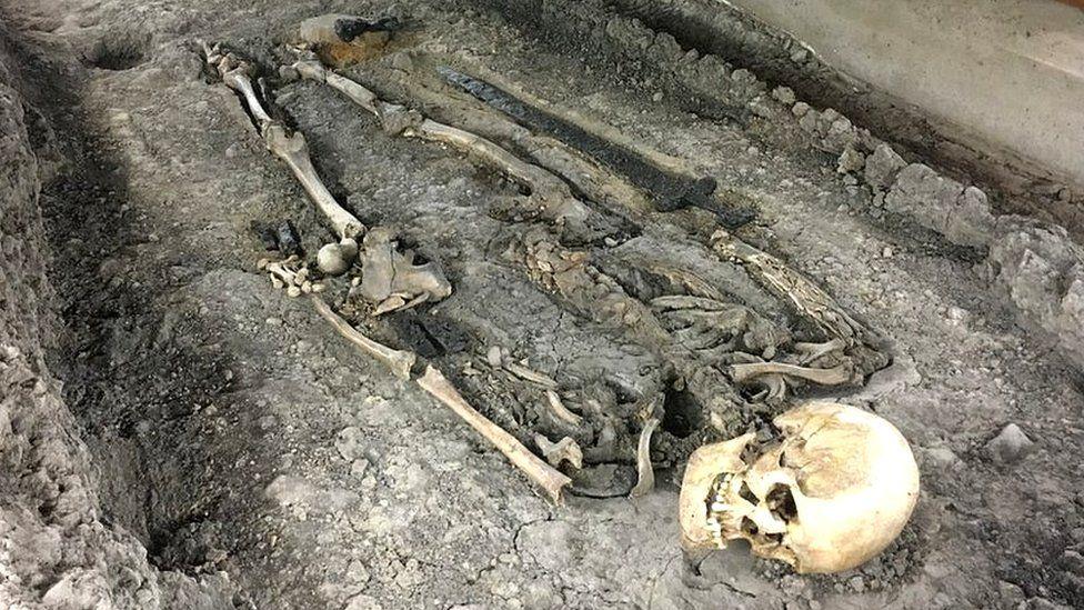 Resultado de imagem para tumbas grecia