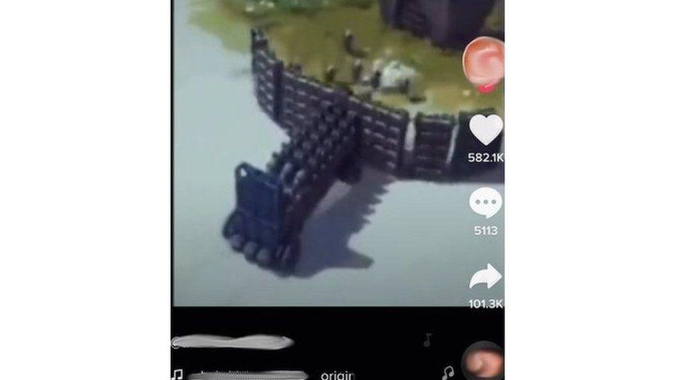 Screenshot of scorpion robot killing people