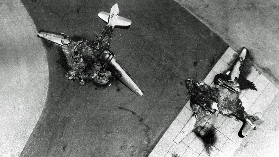 5 Haziran: Kalkamadan imha edilen Mısır savaş uçakları