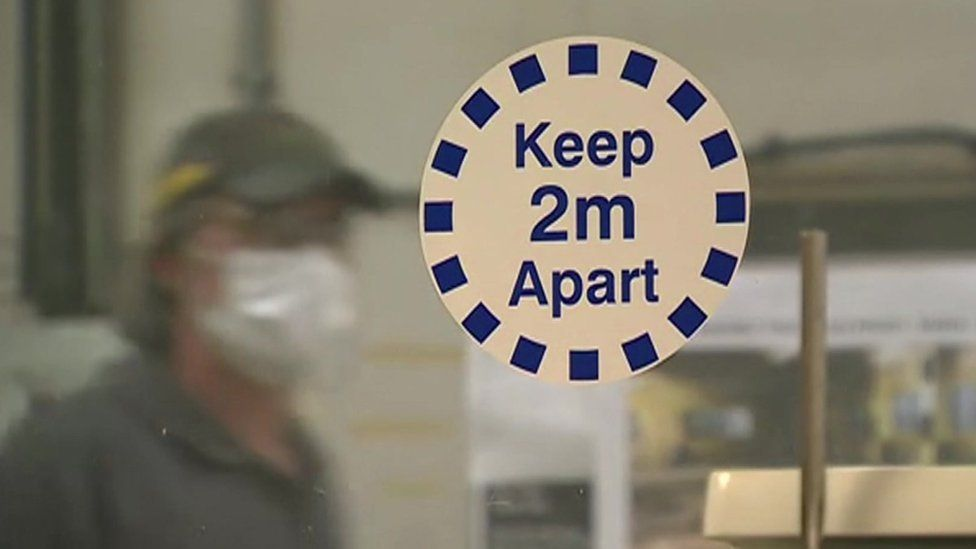Sign: 'Keep 2m apart'