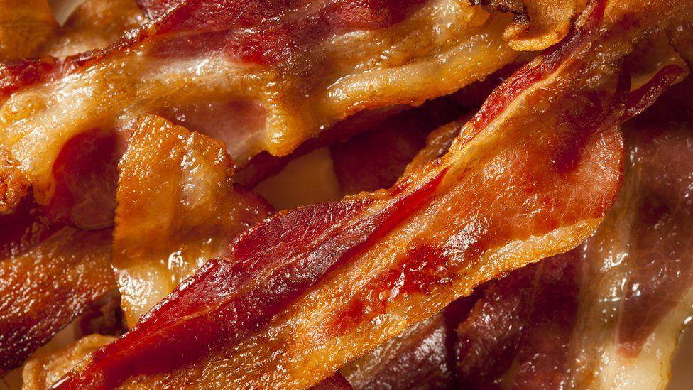 Uma fatia de bacon por dia é suficiente para 'aumentar risco de câncer'