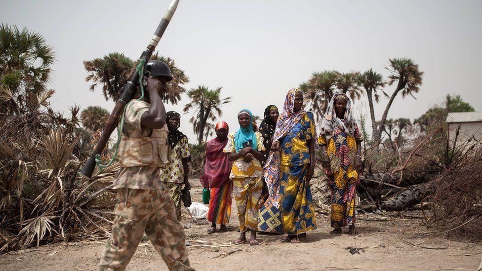 Boko Haram: Nigerian Army say video of soldier wey dey