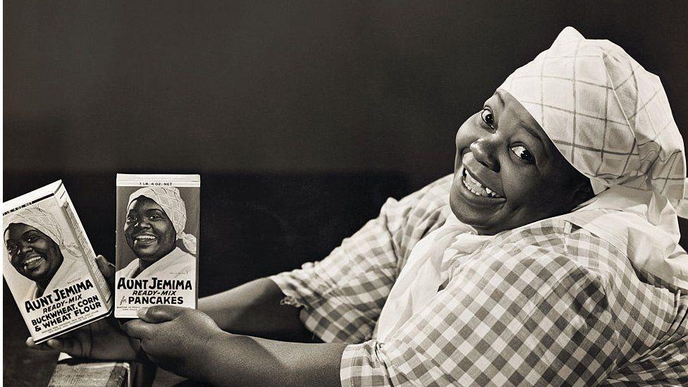 Actress portraying Aunt Jemima branding in 1933