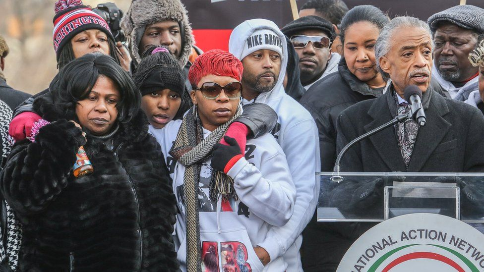 Image shows Samaria Rice (L), the mother of Tamir Rice