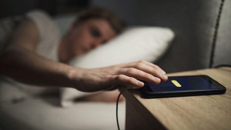 تطبيق إلكتروني يعمل خلال نومك على إيجاد أطعمة مقاومة للسرطان