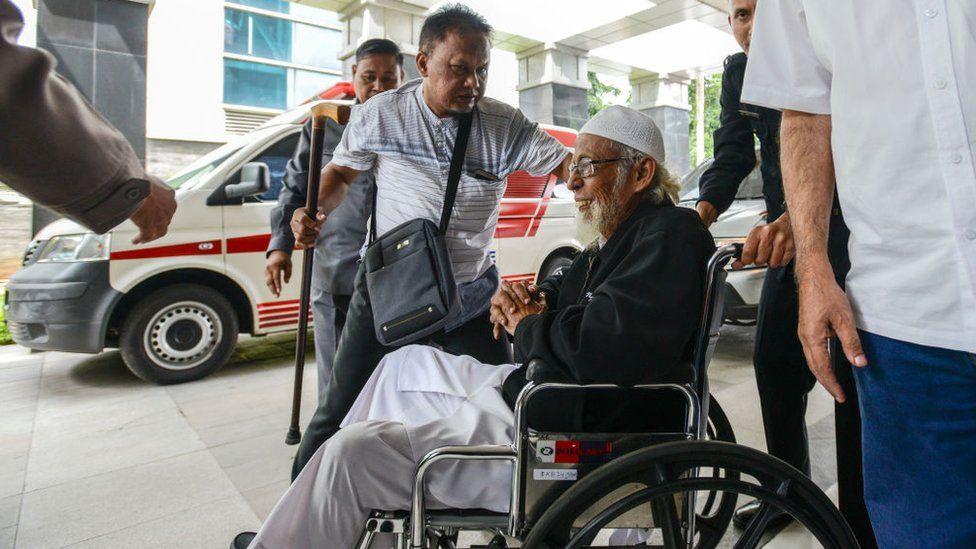 Abu Bakar Ba'asyir arriving for medical treatment at a hospital in Jakarta in January 2019