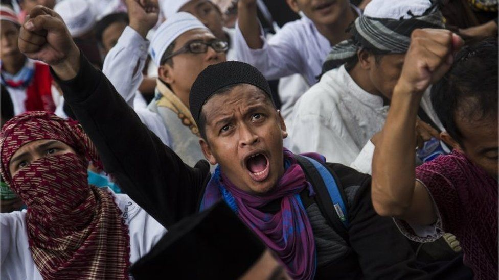 """Thousands of Indonesian Muslims protest against the Jakarta governor Basuki Tjahaja Purnama known widely as """"Ahok"""" on March 31, 2017 in Jakarta, Indonesia"""