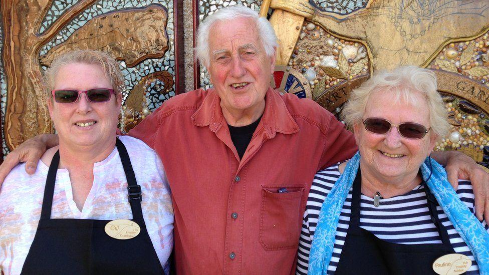 Community art garden helps mum and daughter overcome loneliness