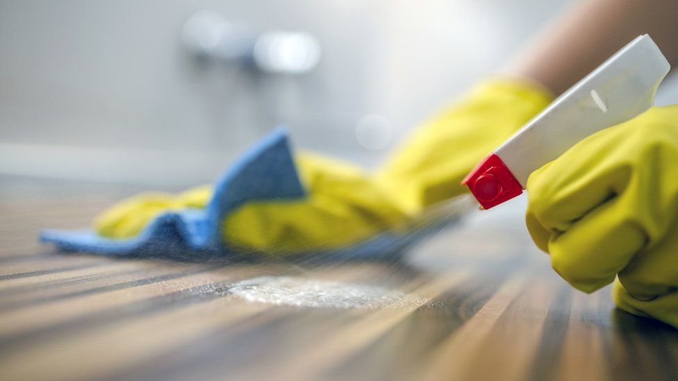 Cleaning a surface
