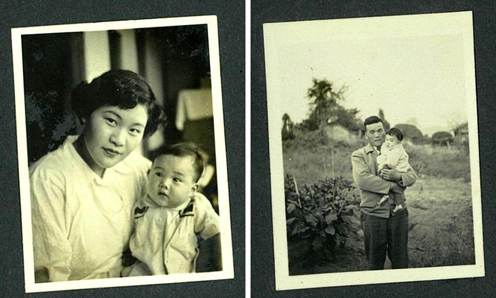 Gamla familjealbumfoton av baby Tomoko med sin mor och far