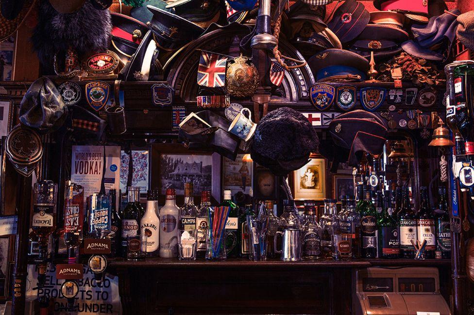 The Nags Head pub - Belgravia, London