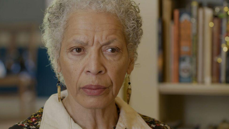 Dr Elizabeth Henry