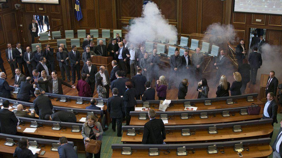 Tear gas in Kosovo parliament (17 Nov)