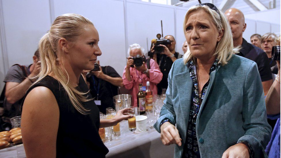 Marion Marechal-Le Pen (L) with Marine Le Pen (file pic)