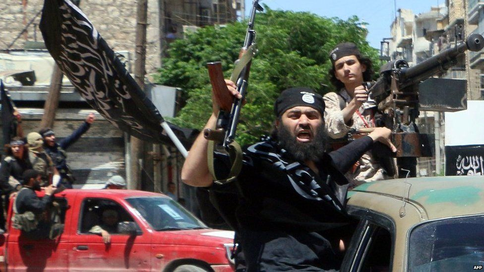 Fighters from the jihadist al-Nusra Front in Aleppo (26 May 2015)