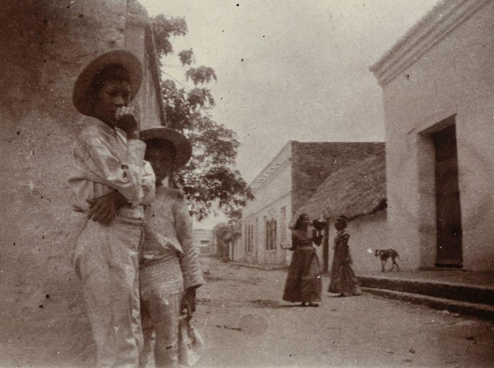 Vida cotidiana en una calle de Magangué, Bolívar.