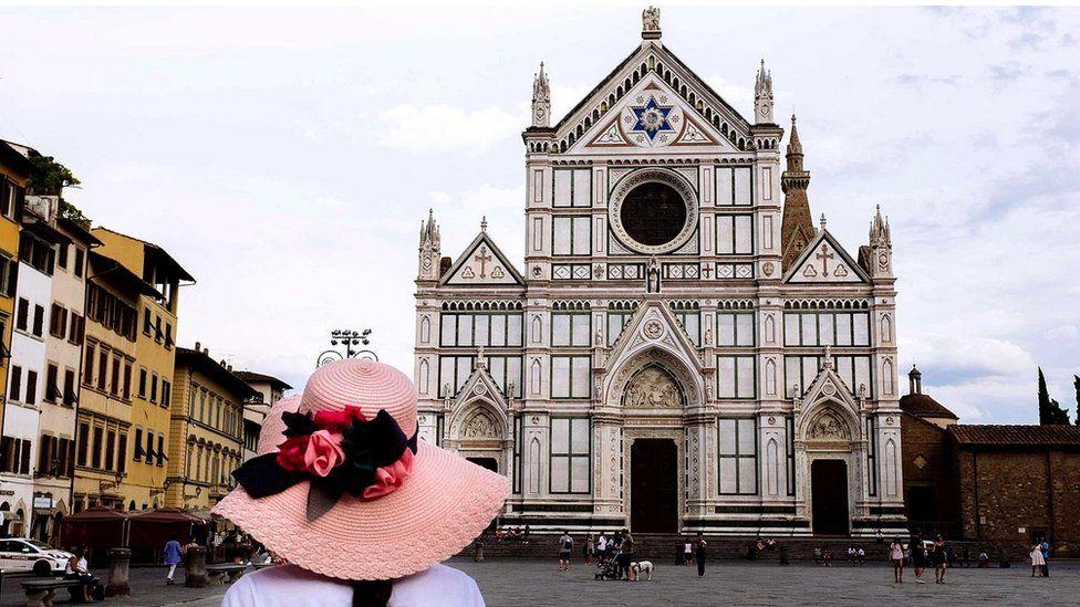 Стендаль писал, что посещение базилики Санта Кроче произвело на него глубочайшее впечатление