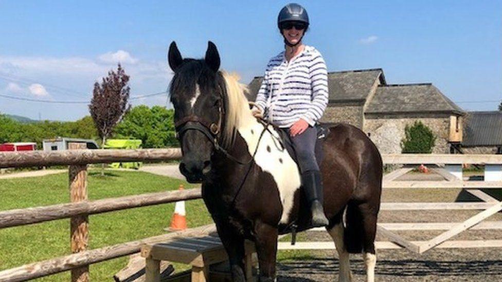 Vanessa Kelly riding her horse
