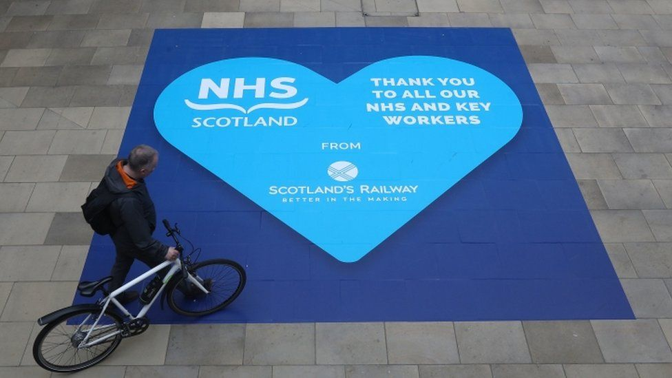A heart-shaped sign thanking NHS workers