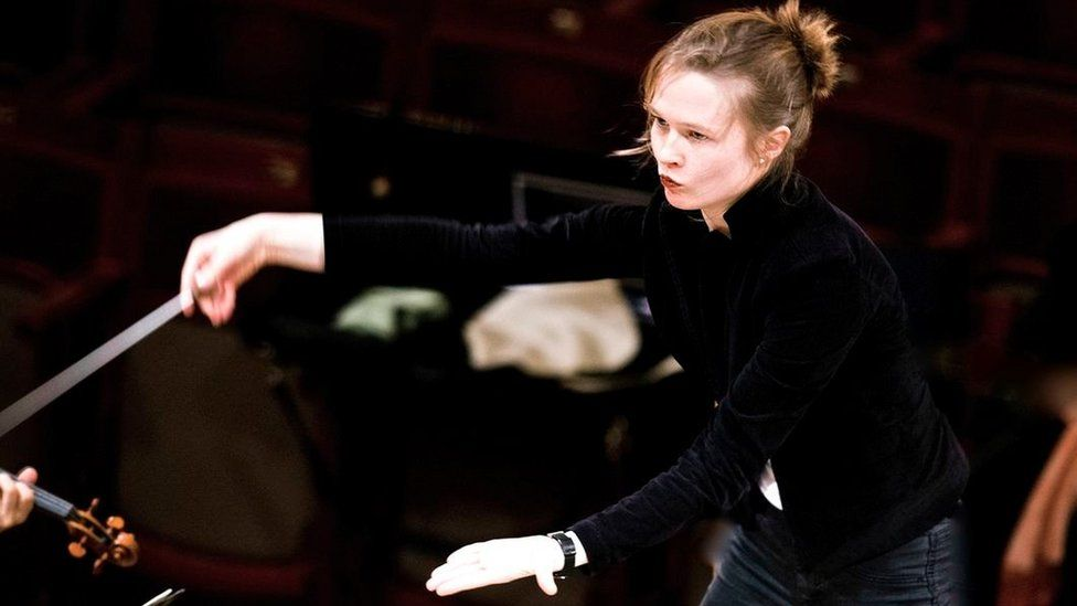 Mirga Grazinyte-Tyla conducting