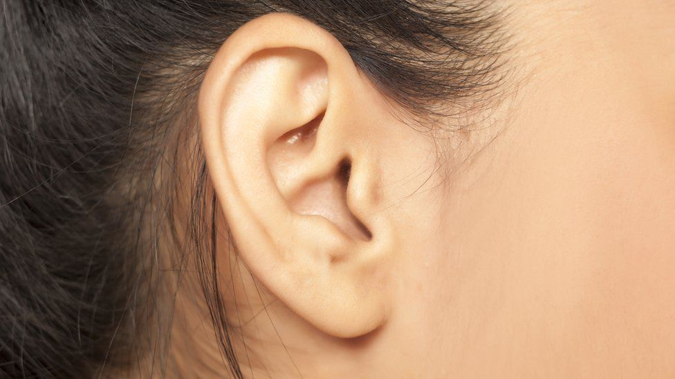 porque se producen zumbidos en los oidos