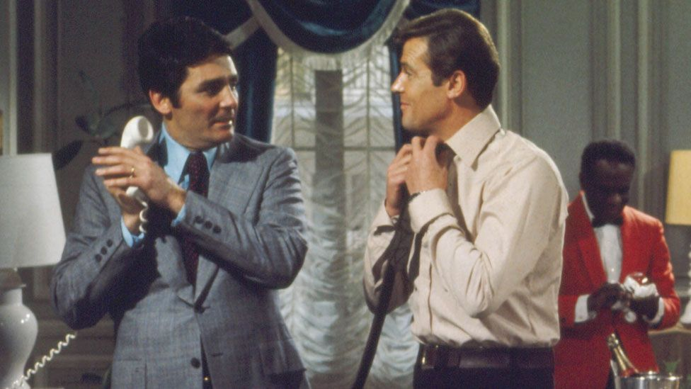 David Hedison and Roger Moore in Live and Let Die