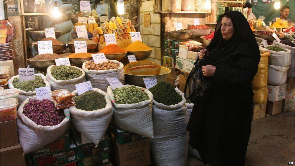 Iranian woman at a bazaar in Isfahan (file photo)