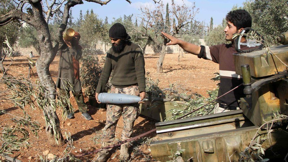Rebels prepare to fire a mortar on western Aleppo. Photo: 30 October 2016