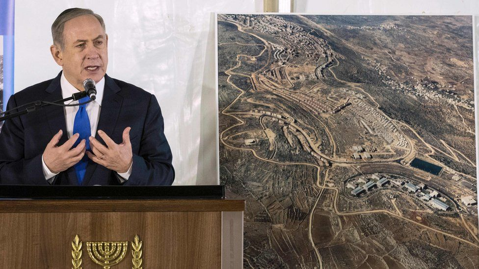 Israeli Prime Minister Benjamin Netanyahu delivers a speech during a memorial ceremony for the founder of the Ariel settlement (2 February 2017)