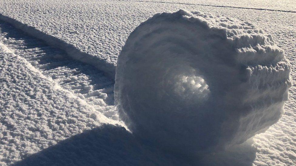 Snow bale