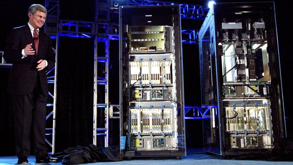IBM shows off new mainframes in 2003