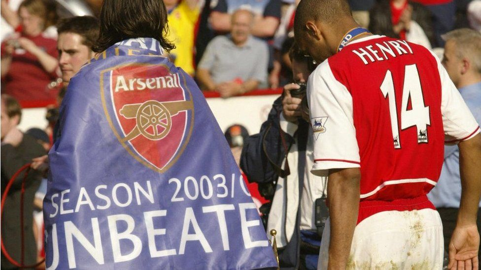 Robert Pires and Thierry Henry in 2004