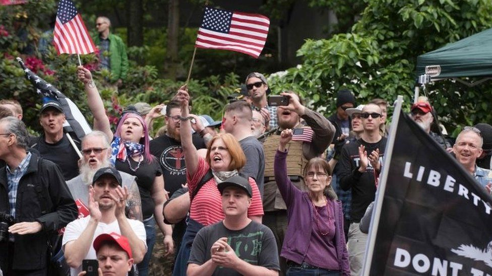 Supporters of President Trump demonstrating on Sunday in Portland (04 June 2017)