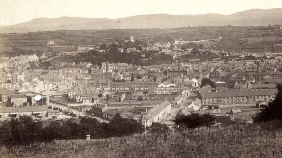 Newry was an important port town in the early part of the 20th Century (photo circa (1900-1910)
