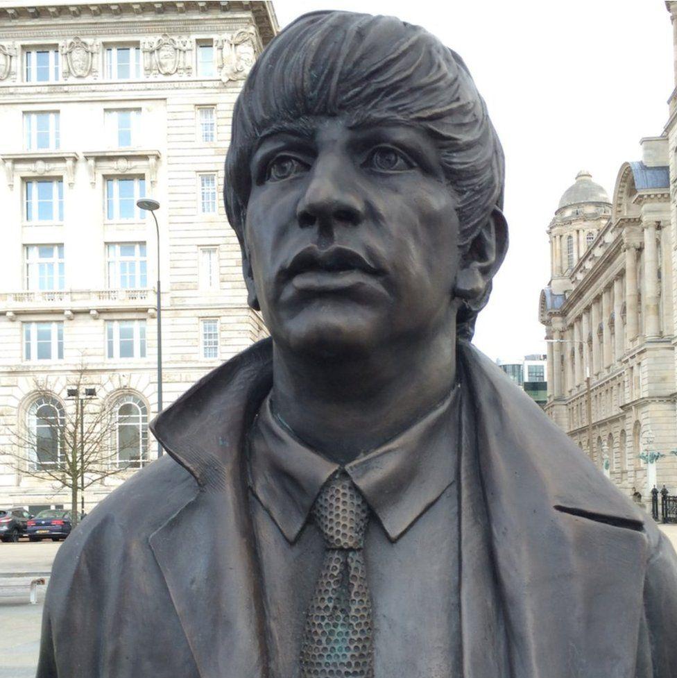 Ringo Starr statue