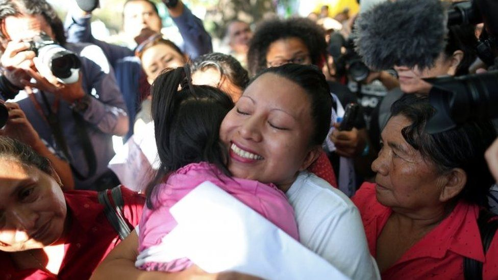 Teodora del Carmen Vasquez hugs her niece as she walks out of jail after her 30-year sentence was commuted by the Supreme Court of El Salvador, in Ilopango, El Salvador February 15, 2018