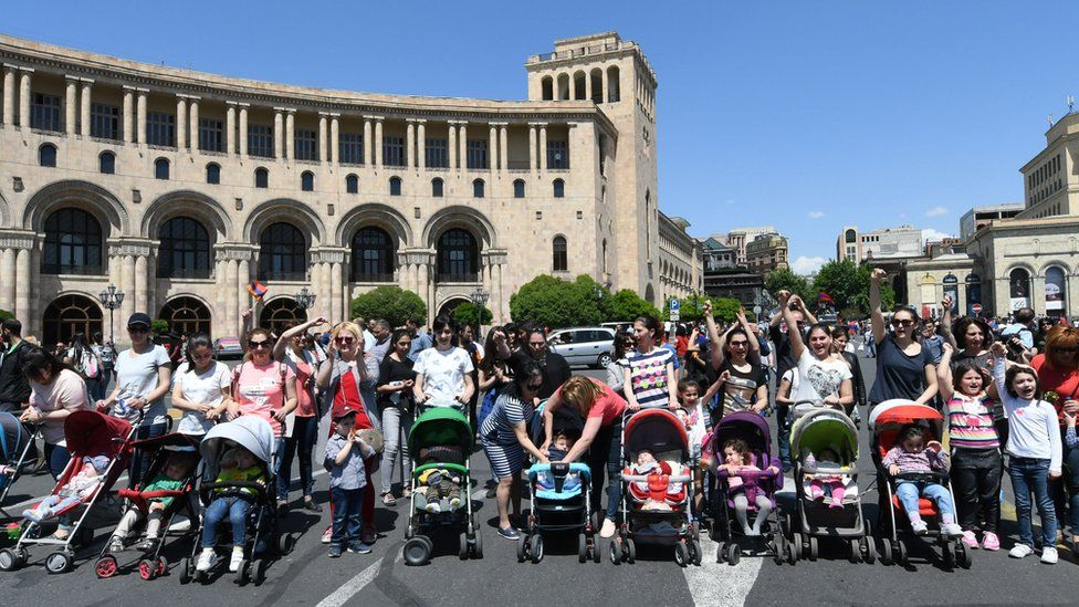 Women with pushchairs join protests in Yerevan on 2 May 2018