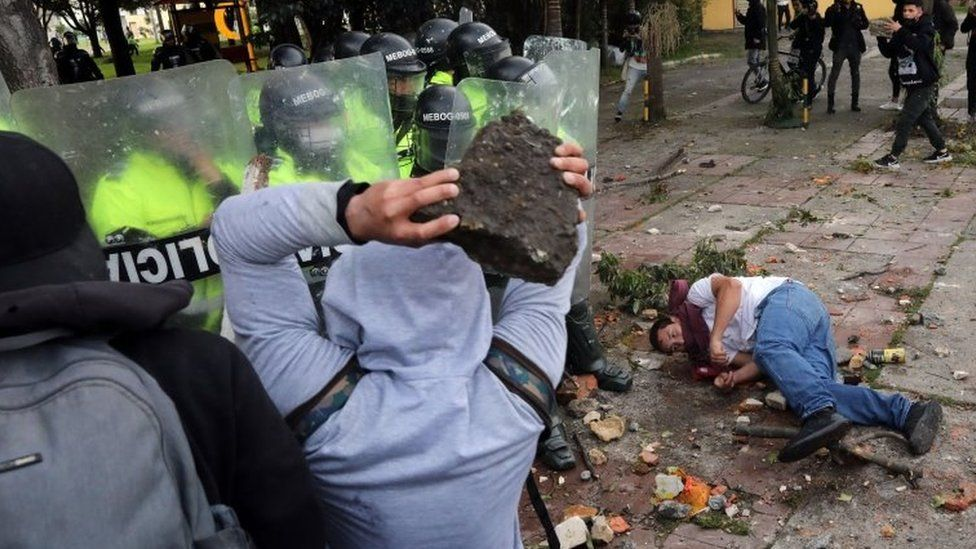 Demonstrators clash with the police during a protest organized in reaction to the death of lawyer Javier Ordonez, in Bogota, Colombia, 09 September 2020.