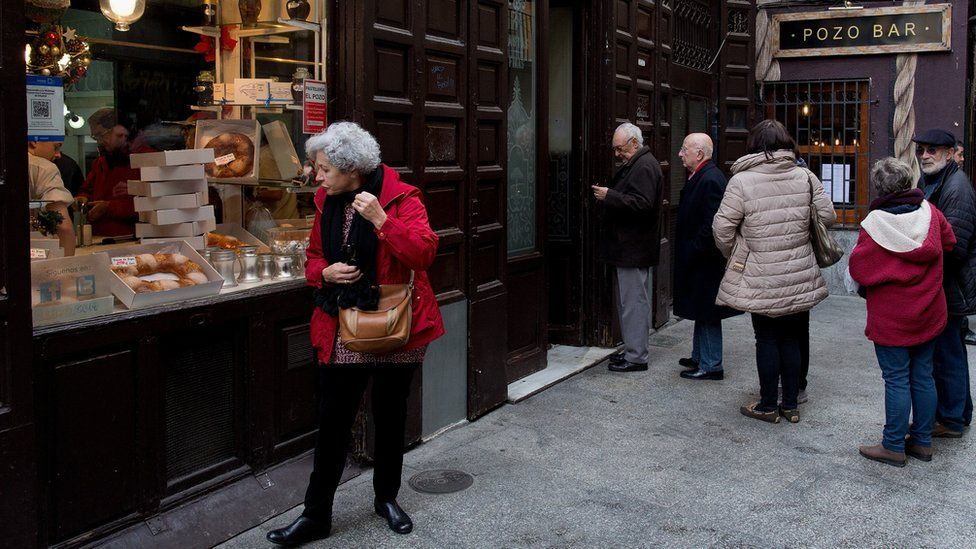 Shoppers in Madrid