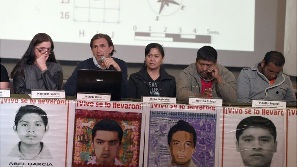 (L to R) Argentine Team of Forensic Anthropology (EAAF) members Mercedes Doretti and Miguel Nieva, mother of one of the missing students Hilda Legideno, the spokesperson for the people from Ayotzinapa Meliton Ortega and lawyer Vidulfo Rosales participate in a press conference in Mexico City on February 9, 2016