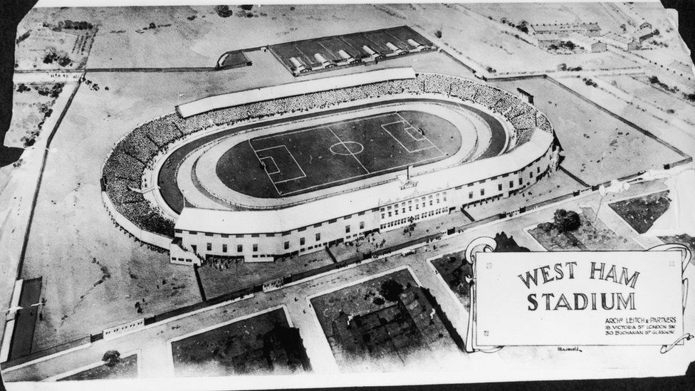 An aerial view of West Ham football stadium, built by Scottish engineer Archibald Leitch, circa 1928