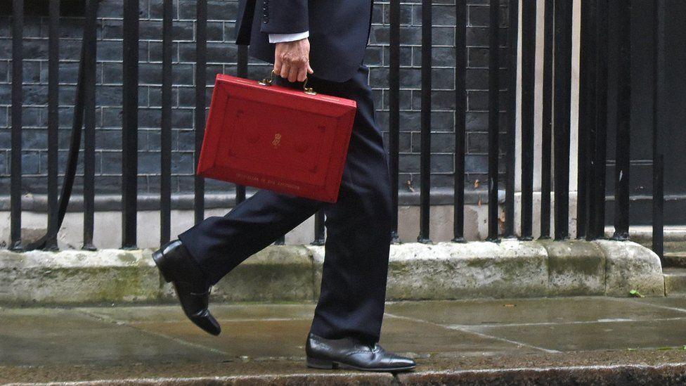 Hammond leaving No 11
