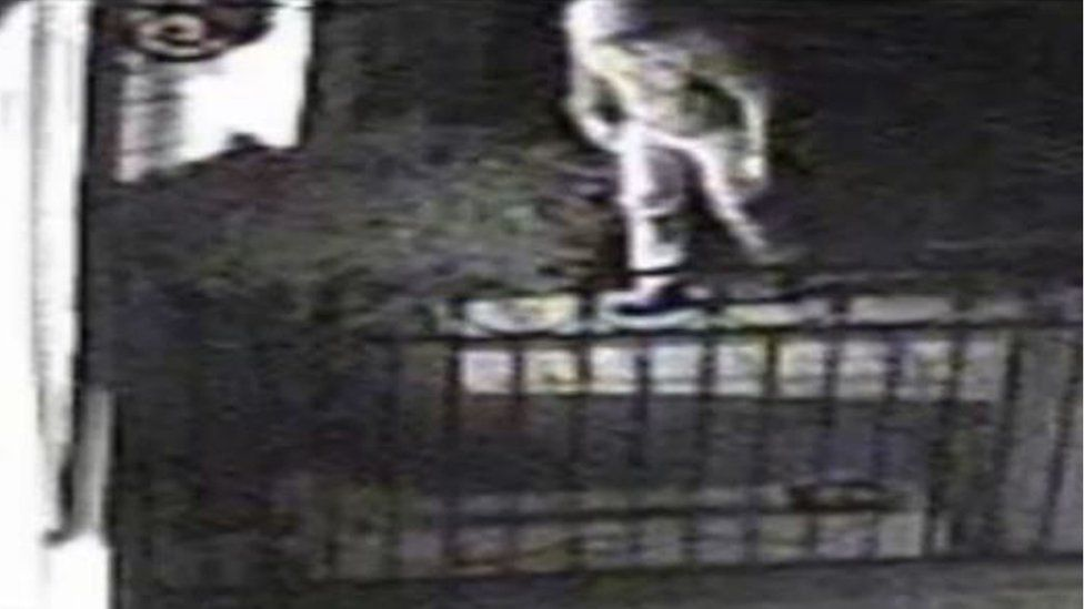 """Armed """"ex-military"""" burglar in Maidenhead"""