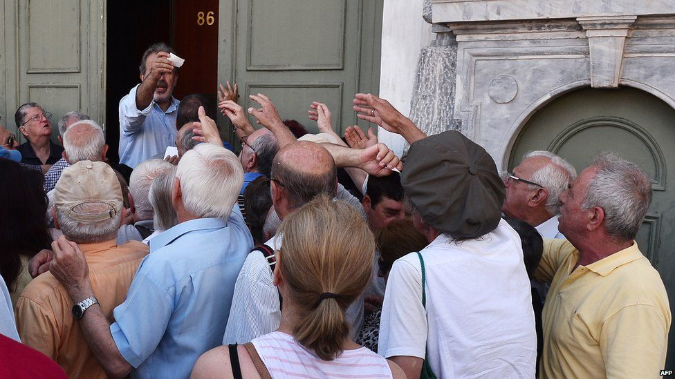 Pensioners outside National Bank of Greece, 9 Jul 15