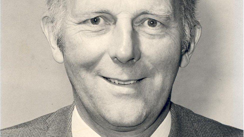 Dr Stewart Adams