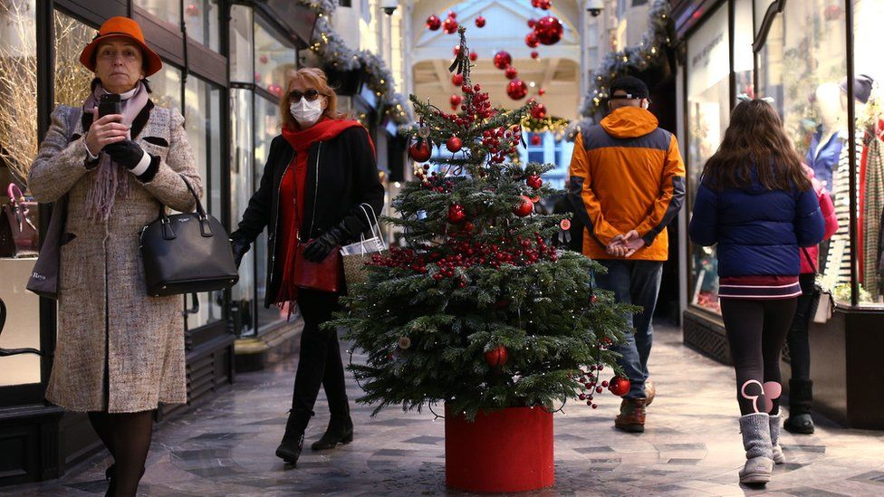 Covid: Relaxation of UK Christmas rules 'unlikely to change'
